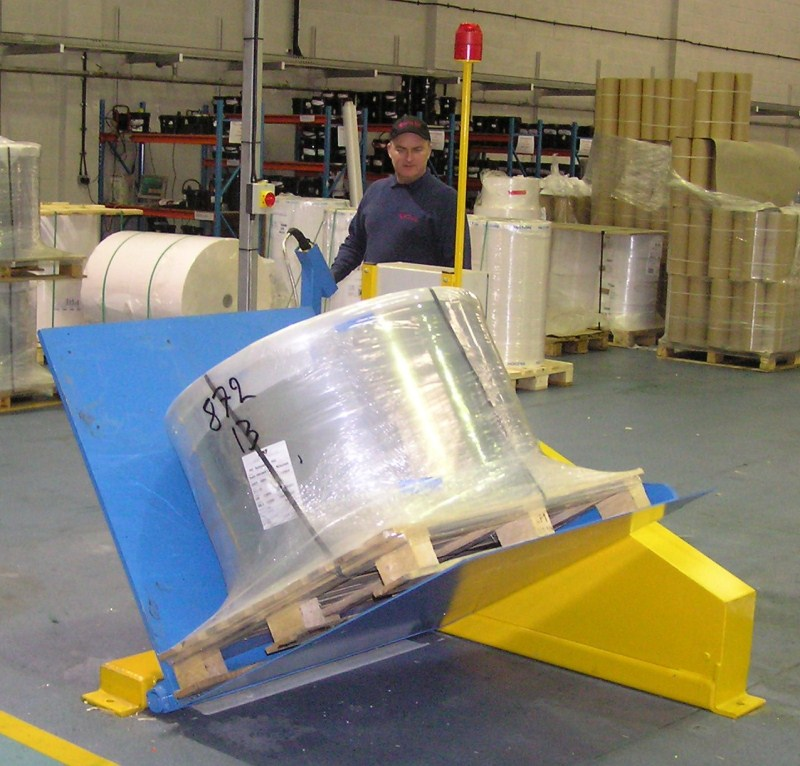 90 176 Tipper Pallet Inverter Bbj Materials Handling